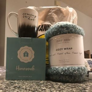 Accessories - Cup and cozy wrap